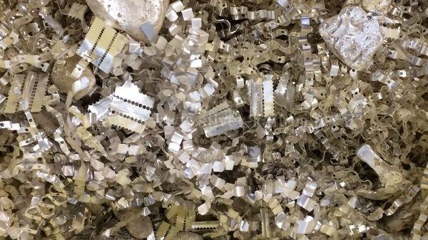 ガラス管ヒューズエレメントに使用の銀屑
