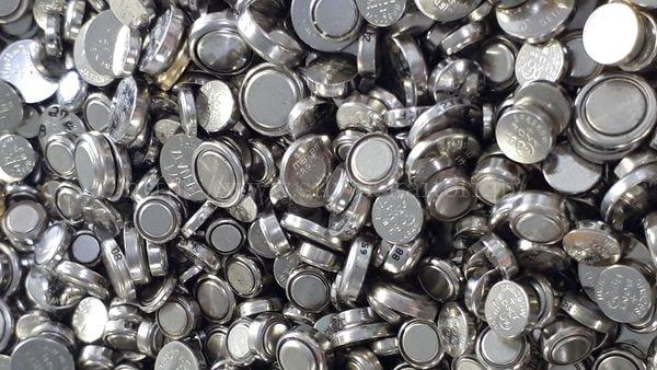 酸化銀ボタン電池
